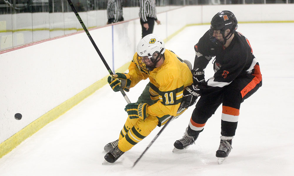 Oliver Ames hockey