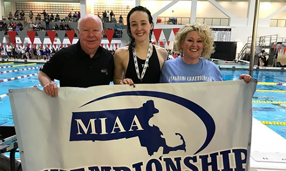 Franklin's Ashley Loomis (center) became a four-time champ in both the 200 and 500 free races.