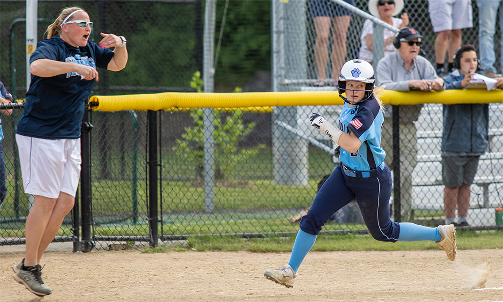 Franklin softball Kate Fallon-Comeau Anna Balkus